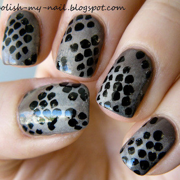 Snake skin nail art by Ewlyn