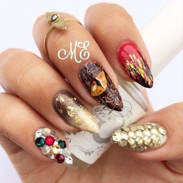 Desolation of Smaug 2 nail art by Miriam