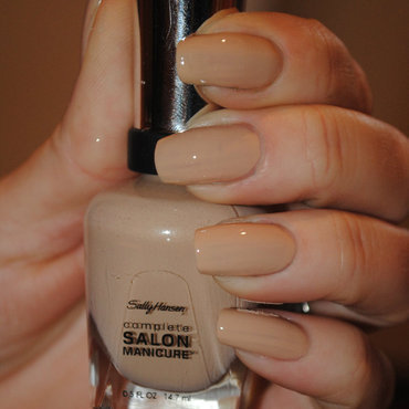 Sally Hansen Stocking Nude Swatch by Ditta
