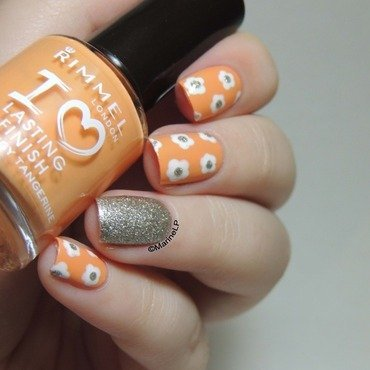 Rimmel tangy tangerine floral nails  3  thumb370f