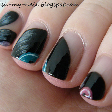 Vinyls nail art by Ewlyn