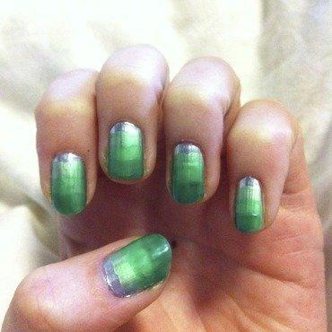 Green gradient nail art by dazyndara