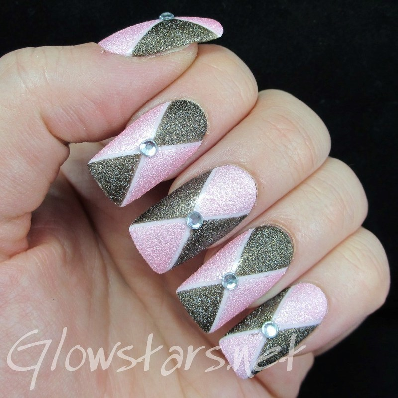 The Digit-al Dozen Does Texture: Crossed nail art by Vic 'Glowstars' Pires