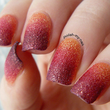 Sunset gradient nail art by Ewlyn