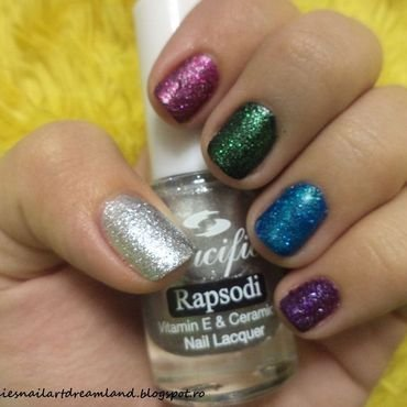 Glittery globes nail art by Sophie