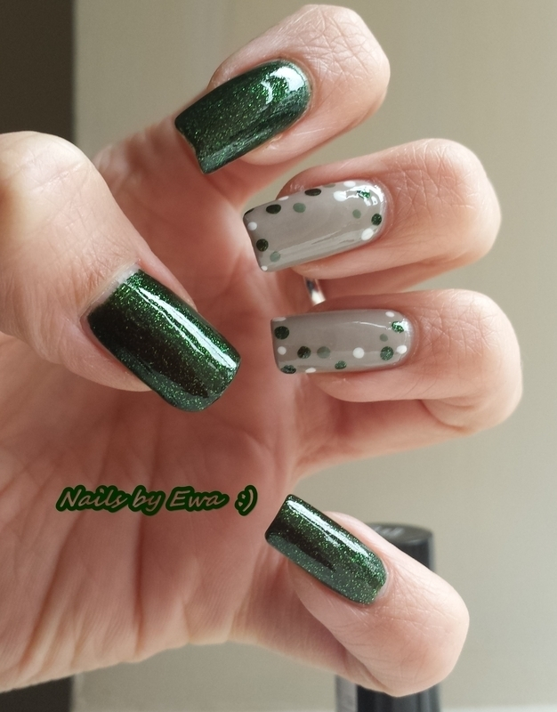 Green nail art by Ewa
