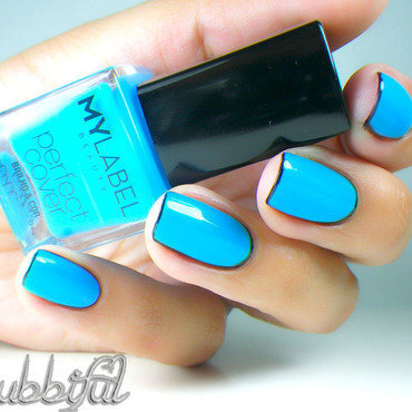 Following Katy Perry's Borderline nail art by Cubbiful
