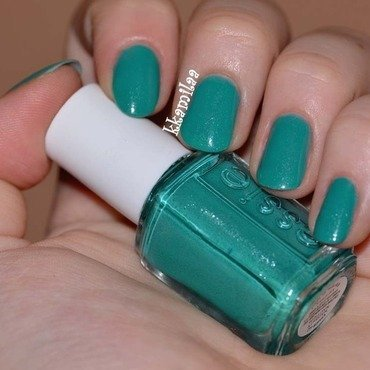 Essie Naughty Nautical Swatch by Kamila