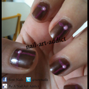 Nail Art : Lignes & Strass nail art by SowNails