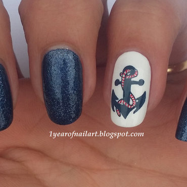 Anchor nail art by Margriet Sijperda