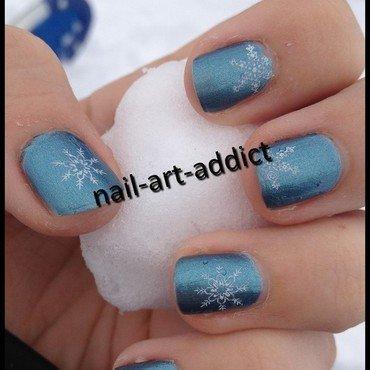 Nail Art : Flocons nail art by SowNails