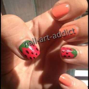 Nail art fraise thumb370f
