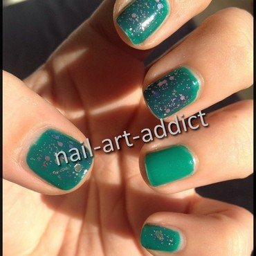 Nail Art : Paillettes nail art by SowNails
