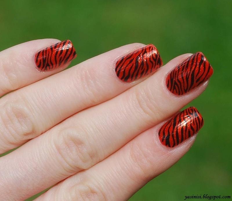 Tiger Manicure nail art by Yasinisi