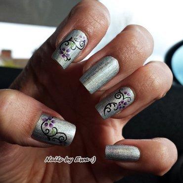Holographic nails nail art by Ewa