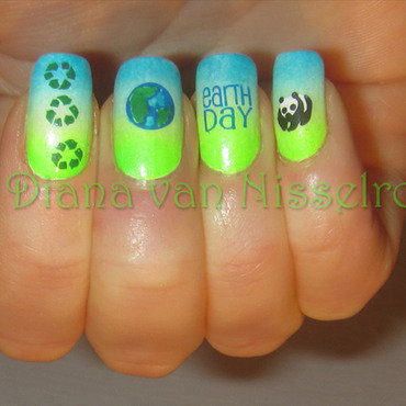 Earth Day 2014 nail art by Diana van Nisselroy