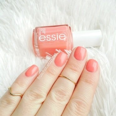 Essie Resort Fling Swatch by froschstuetzpunkt