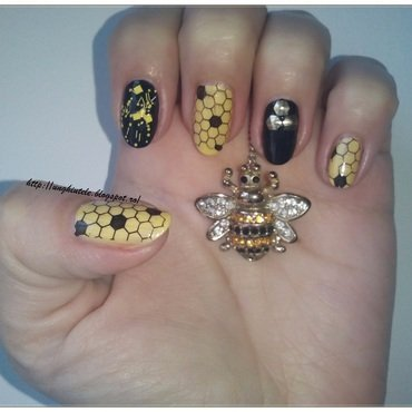 Hooney nail art by Oana  Alexandru
