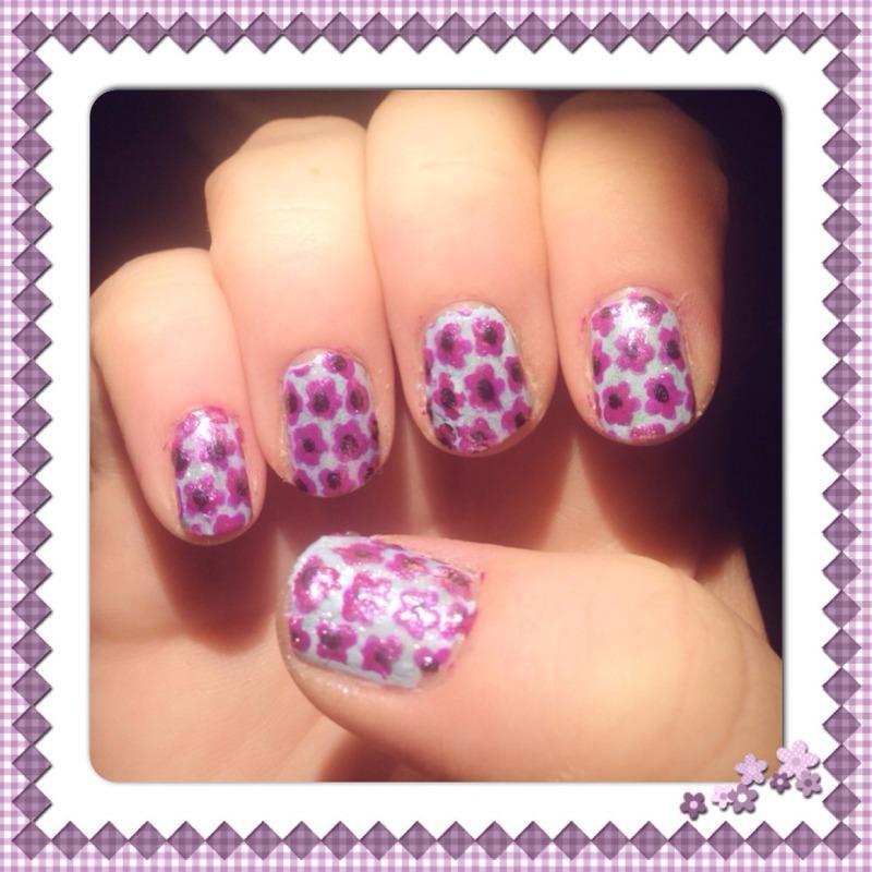 Purple flowers! nail art by Sandy