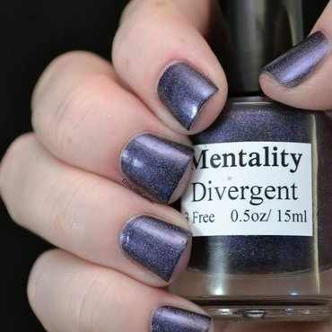 Mentality Divergent Swatch by Emma B