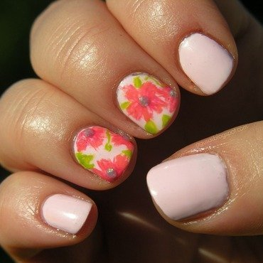 Flower Power nail art by Agni