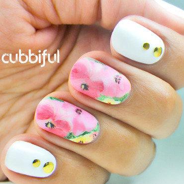 The Buttons Are Back nail art by Cubbiful