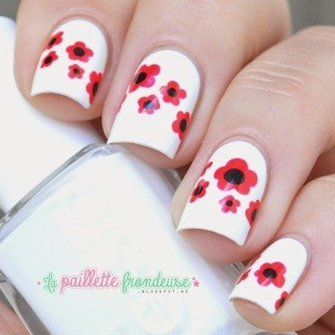 Poppy nails nail art by nathalie lapaillettefrondeuse