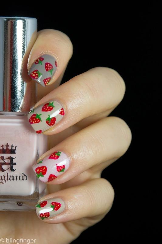 Strawberry Nails nail art by  Petra  - Blingfinger