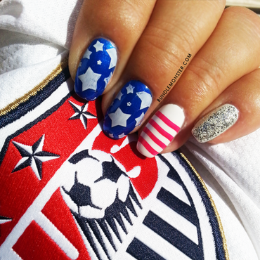 Go USA Go GO! nail art by Bundle Monster