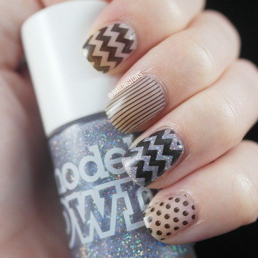 Zig Zag Randomness  nail art by Nailingtons