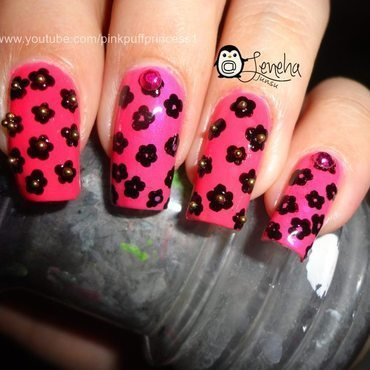 Small Black Flowers nail art by Leneha Junsu