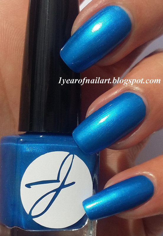 Jior Couture Blueberry-Ade Swatch by Margriet Sijperda