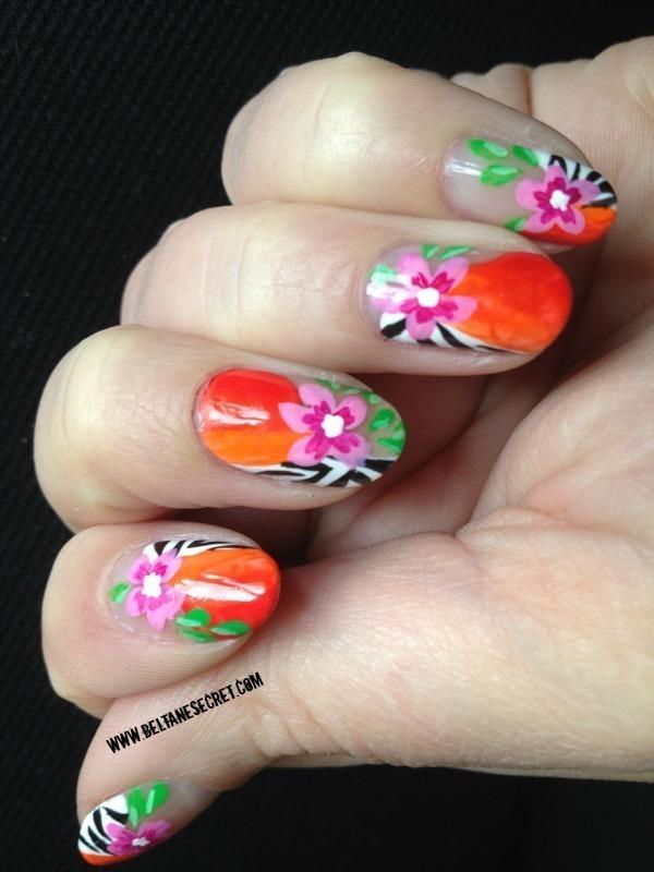 Saida nails Inspiration nail art by Virginie