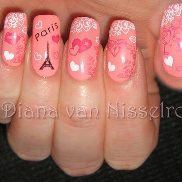 Romance in Paris nail art by Diana van Nisselroy