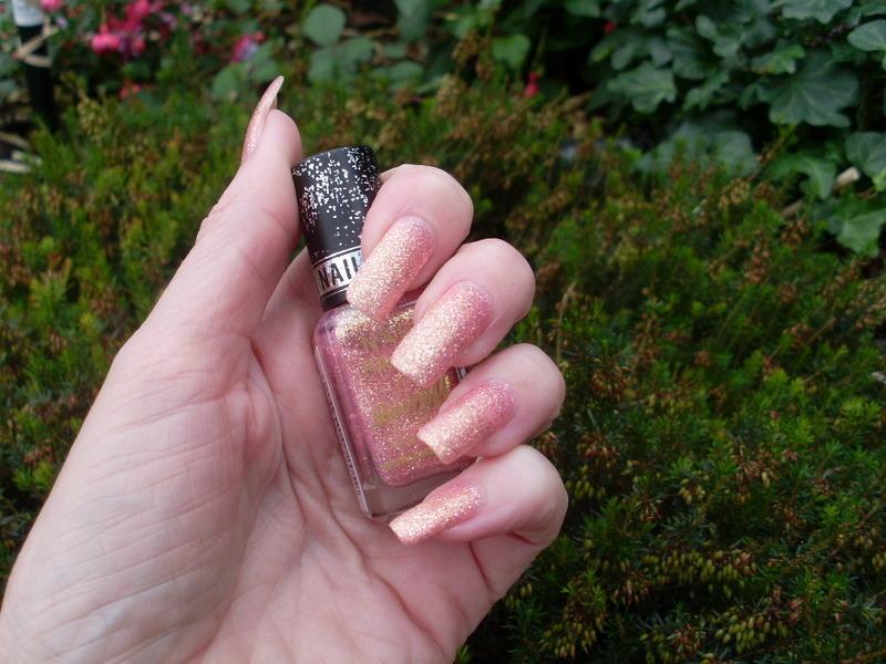 Barry M Princess Swatch by Tracey - Bite no more