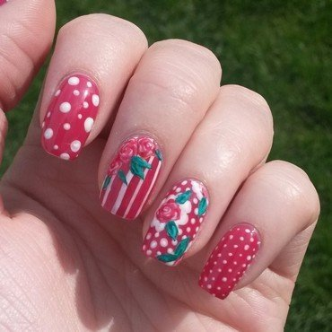Floral dotticure nail art by Alanna