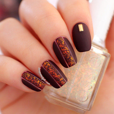 Matte Negative Space Nails nail art by Kristin (Lacquerstyle)