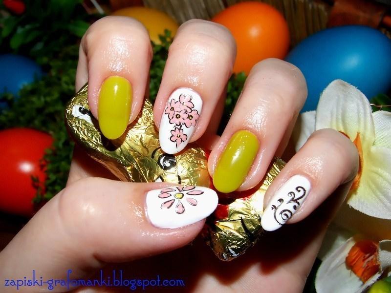 Hello Spring! nail art by Paulina Domoradzka