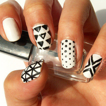 Black/White  nail art by PolishCookie