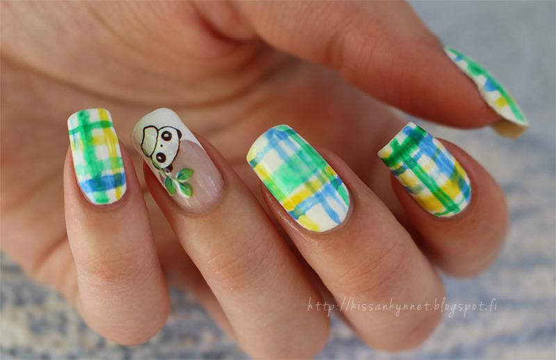 Watercolors and a panda nail art by Yue