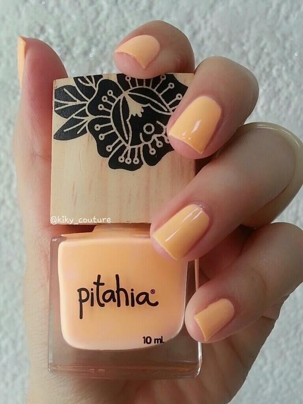 Pitahia Begonia Swatch by Ximena Echenique