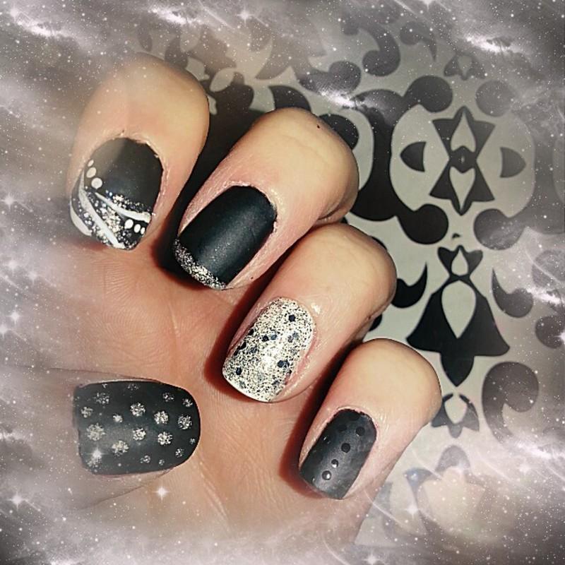 B&W Matte nail art by britalovez