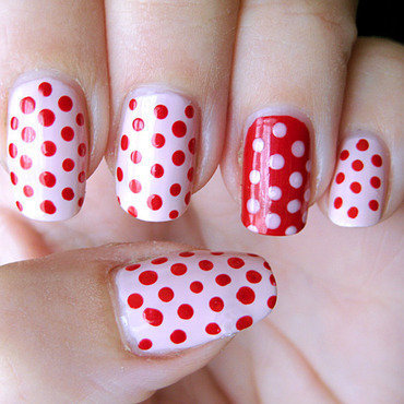 Pink 'n red dots nail art by Vicky