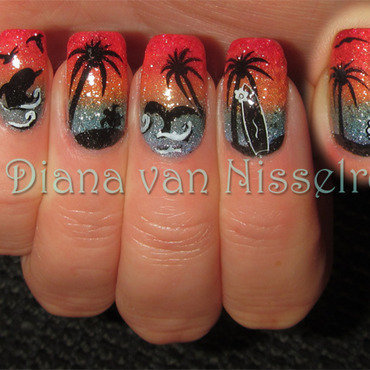 Sunset at sea nail art by Diana van Nisselroy