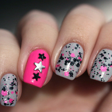 Hawt Punk nail art by Maria
