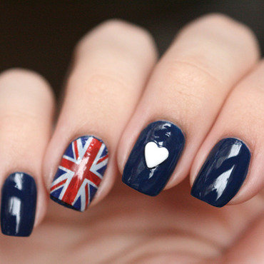 I heart UK nail art by Maria