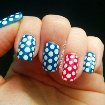 Polka dots nail art by Franziska FrankieHuntersNails