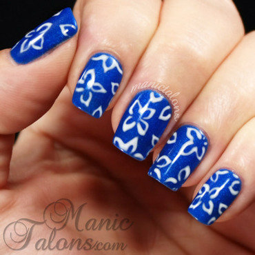 Delicate freehand floral nail art by ManicTalons