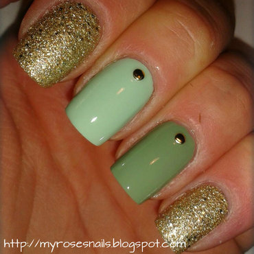 Green and gold nail art by Ewa