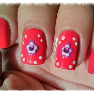 simple dotted flower in red background nail art by Moni'sMani